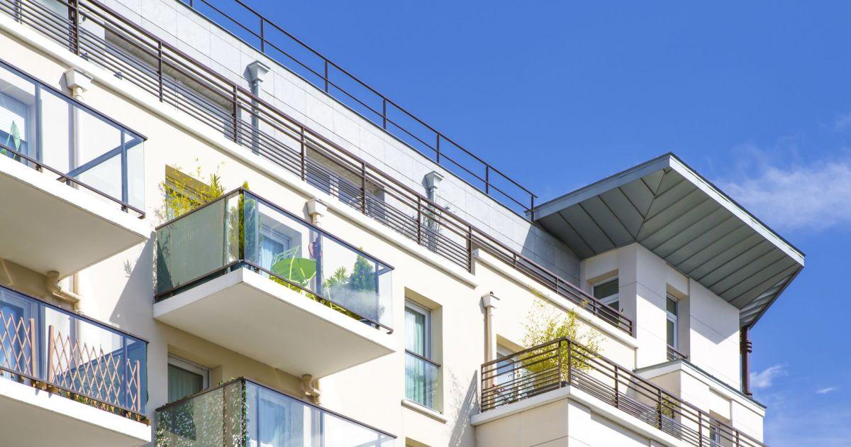 5 astuces pour se prot ger du vis vis sur un balcon. Black Bedroom Furniture Sets. Home Design Ideas