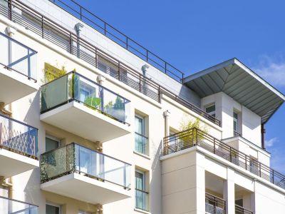 5 astuces pour se protéger du vis-à-vis sur un balcon