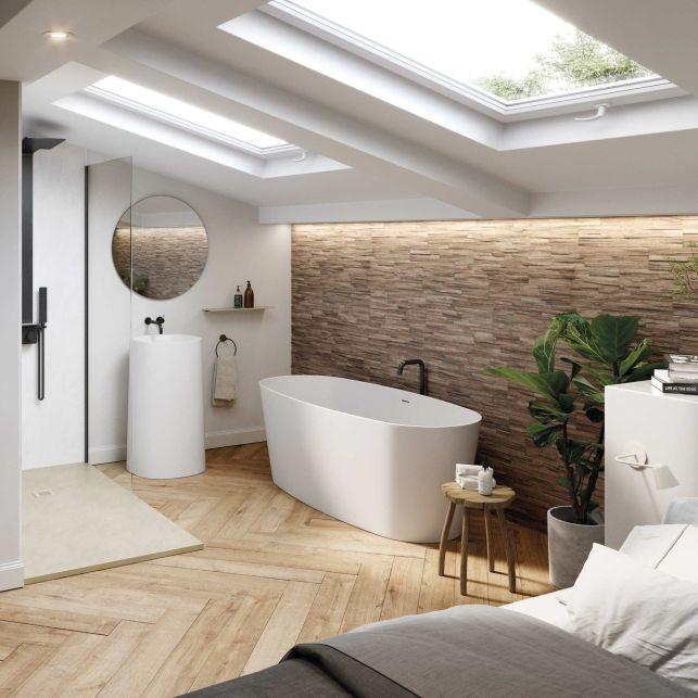 Une suite parentale naturelle et luxueuse avec salle de bain sous les combles