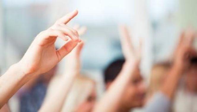 AG de copropriété : le vote à main levée