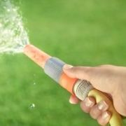 Arrosage d'une pelouse sans gaspiller d'eau