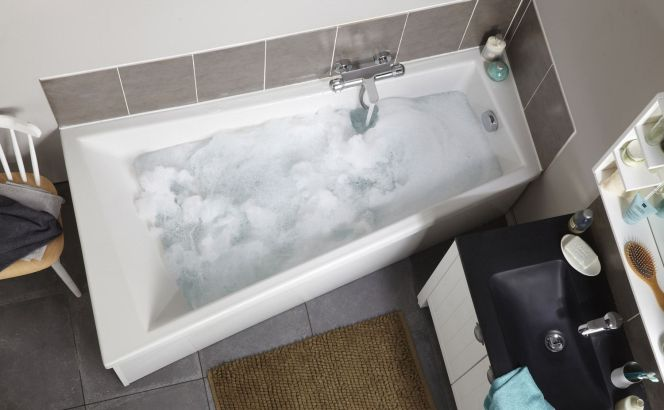 Notre s lection des plus belles baignoires baignoire - Baignoire angle leroy merlin ...