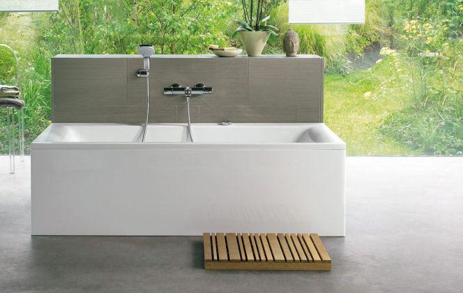 Baignoire rectangulaire en acrylique.  © Ideal Standard