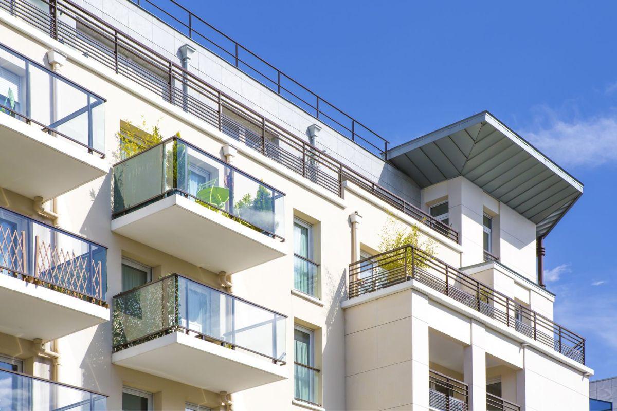 Qu Est Ce Qu Une Loggia balcon, la sécurité avant tout : grillage, brise-vue et