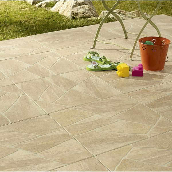Carrelage ext rieur sentieri par leroy merlin for Carrelage pierre de bourgogne leroy merlin