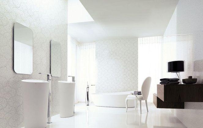 Ce magnifique carrelage en céramique offre un blanc pur, lisse et éclatant, dégageant un aspect très chic. © Porcelanosa