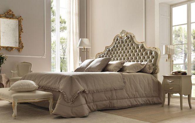 Les amoureux du vintage apprécieront cette chambre à l'atmosphère douce et raffinée. © Bolzan Letti