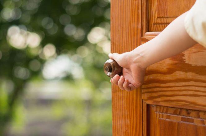 Choisir sa porte d'entrée : PVC, bois ou alu ?