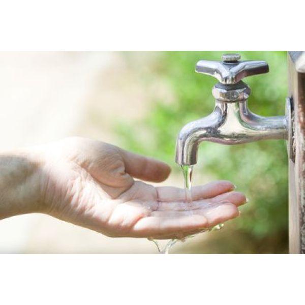Chute du d bit d eau dans un robinet causes et solutions - Un broc d eau ...