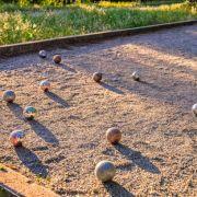 Comment construire un terrain de pétanque dans son jardin?