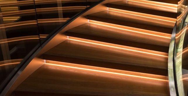 Comment décorer et illuminer mes escaliers grâce au ruban LED ?