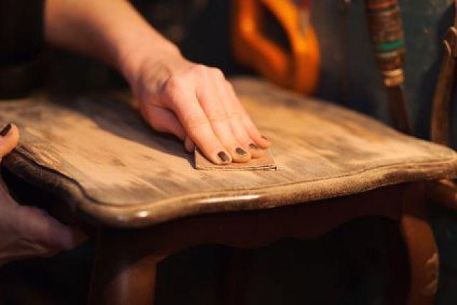 Comment donner un effet vieilli à un meuble ?