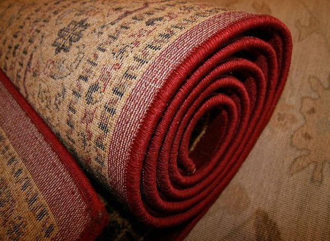 Comment nettoyer un tapis en 4 étapes ?
