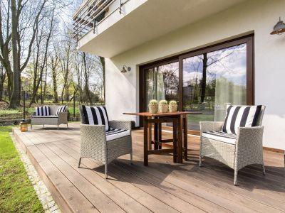 Comment rénover une terrasse en bois