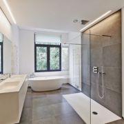Comment réparer une fissure sur un receveur de douche ?