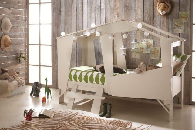 Construire une cabane dans une chambre d'enfant