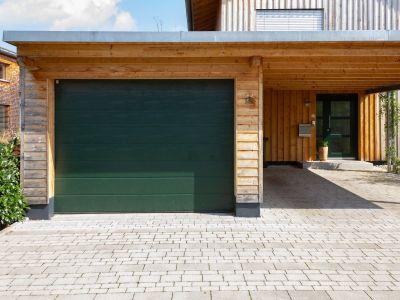 Coupure de courant : comment ouvrir manuellement une porte de garage électrique ?