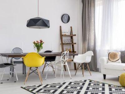 Créer un coin repas dans un petit salon