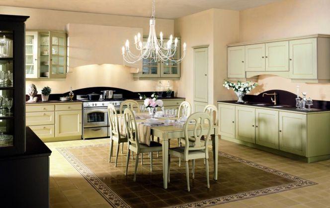 Cette cuisine harmonieuse apporte un léger parfum de passé, offrant au passage une modernité d'agencement particulièrement réussie. © Arthur Monnet