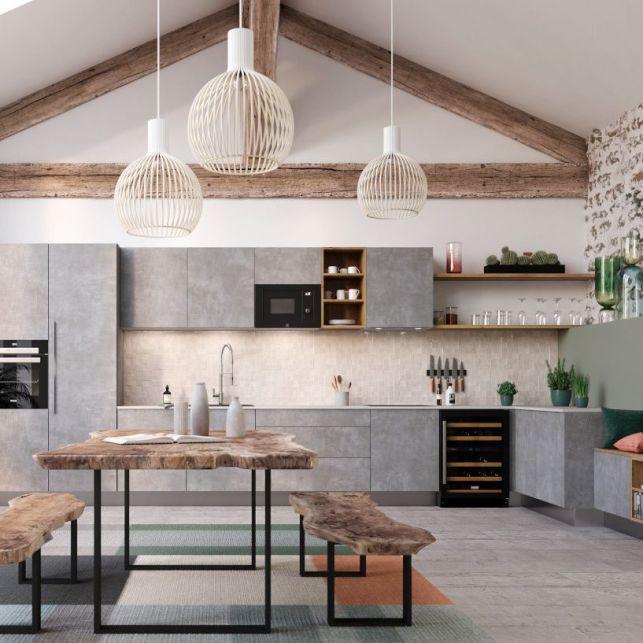 Une cuisine rustique et moderne sous les combles