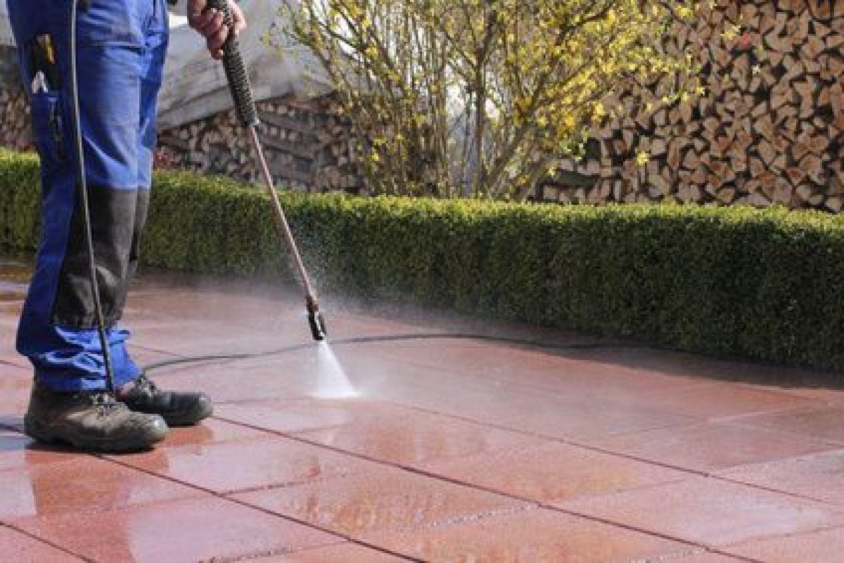 Decaper Une Terrasse décaper un carrelage de terrasse, gros nettoyage