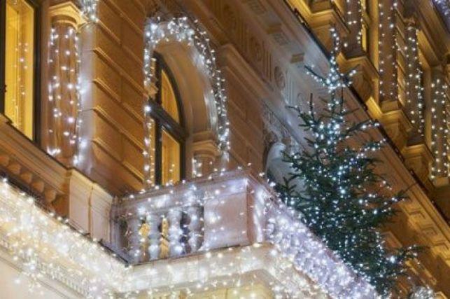 Déco lumineuse de Noel : comment utiliser le ruban LED ?