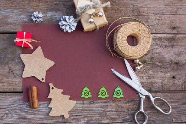 Décoration du sapin de Noël pour moins de 30 €