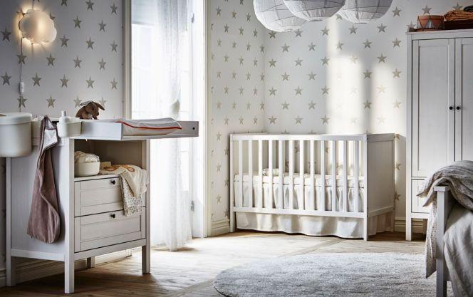 Des étoiles sur les murs de la chambre... © Ikea