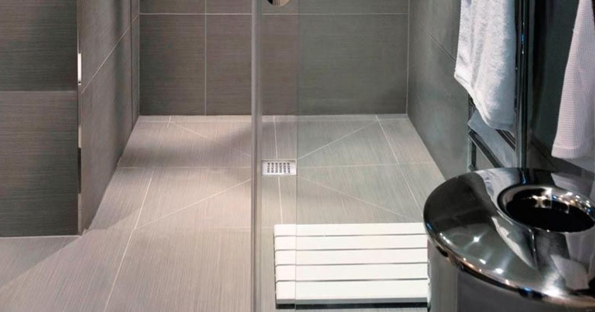 Douche l 39 italienne en carrelage for Pose carrelage douche a l italienne