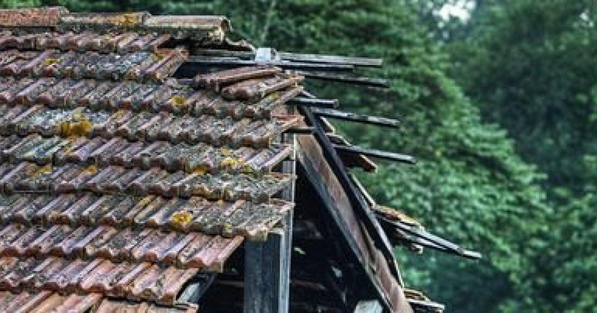 Effondrement d une charpente entreprendre des r novations for Cout d une charpente et toiture
