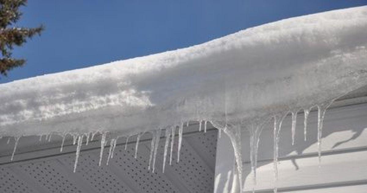 Effondrement d une toiture sous le poids de la neige - Copropriete travaux toiture ...