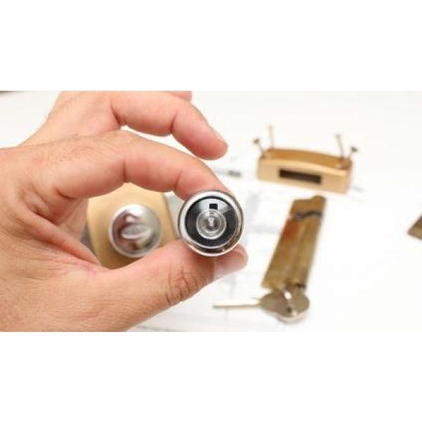 éléments D Une Porte : tous les l ments d 39 une porte serrure poign e de porte ~ Premium-room.com Idées de Décoration