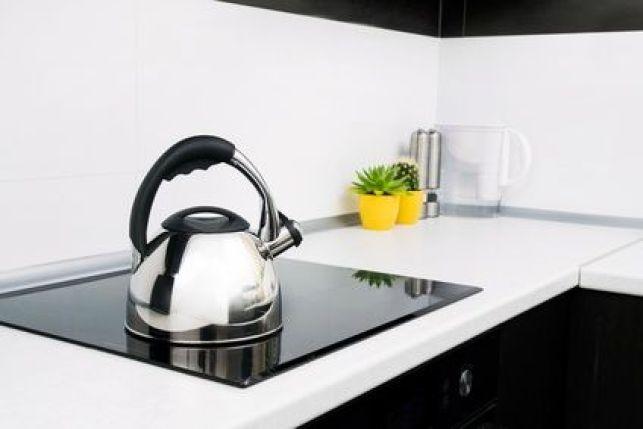 Entretien d'une plaque de cuisson à induction