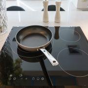 Entretien d'une plaque de cuisson vitrocéramique