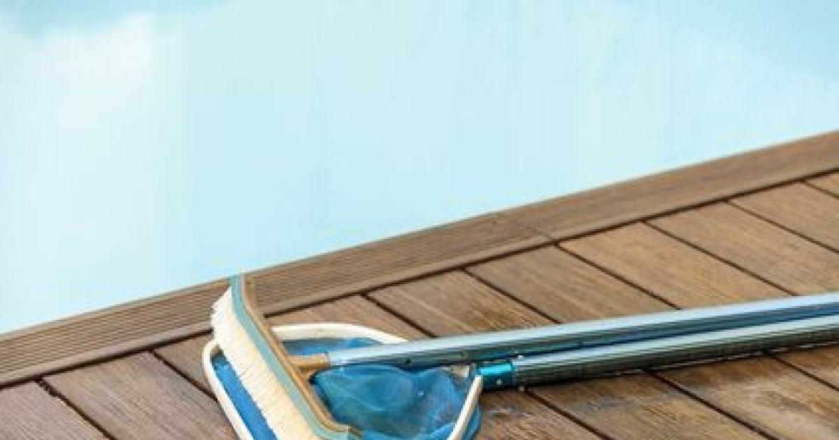 entretien et le nettoyage d 39 une piscine. Black Bedroom Furniture Sets. Home Design Ideas
