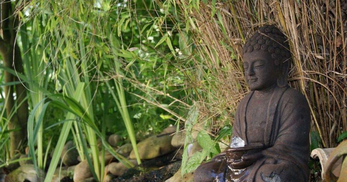 Fontaine bouddha par meseo - Fontaine de jardin en polyresine ...