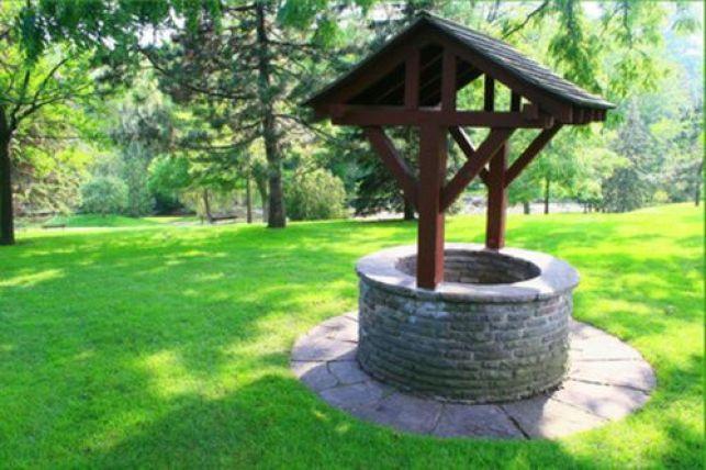 Forage d'un puits dans son jardin : prix & travaux