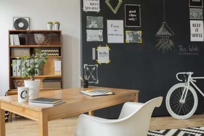 home working comment bien am nager un espace de travail chez soi. Black Bedroom Furniture Sets. Home Design Ideas