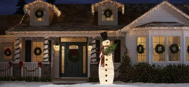 Installer des illuminations extérieures pour Noël