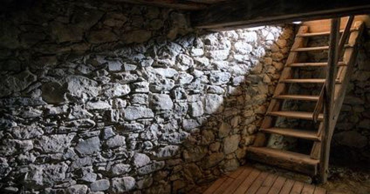 Installer Un Escalier Pour Acc 233 Der 224 Une Cave
