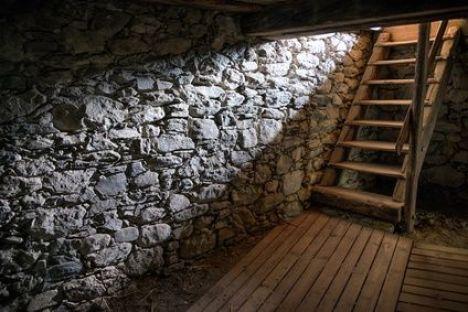 """Installer un escalier pour accéder à une cave<span class=""""normal italic"""">© fottoo - Fotolia.com</span>"""