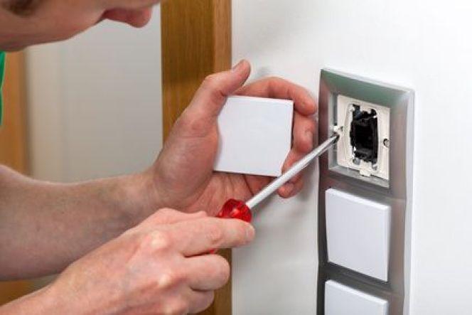 installer un interrupteur choisir le bon endroit et respecter les normes. Black Bedroom Furniture Sets. Home Design Ideas