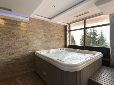 Installer un spa dans une pièce intérieure de la maison