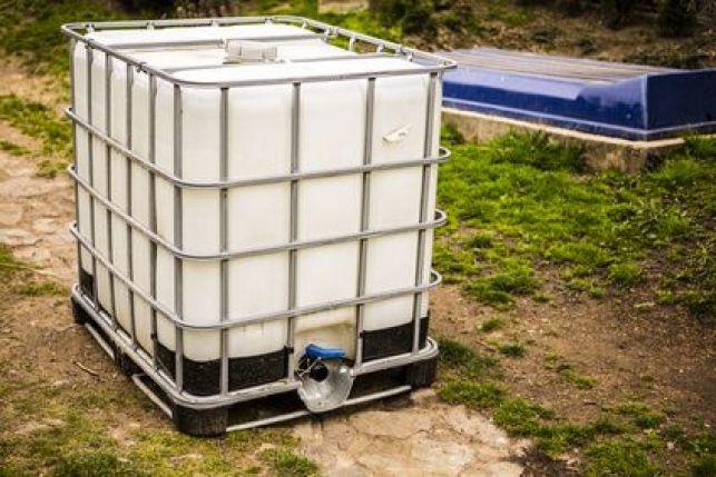 Installer une cuve de récupération d'eau de pluie