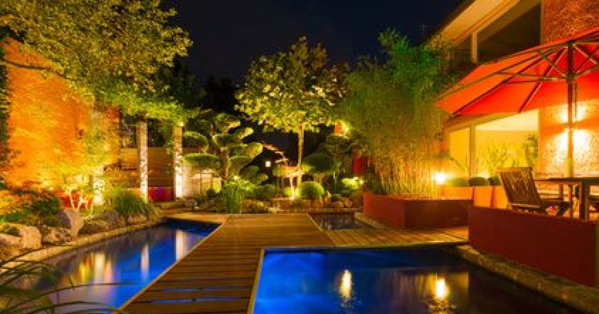 Une terrasse bien clair e luminaire ext rieur for Amenagement jardin 974