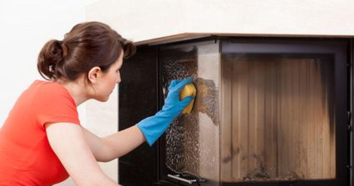 l 39 entretien d 39 une chemin e nettoyage du foyer et du manteau. Black Bedroom Furniture Sets. Home Design Ideas
