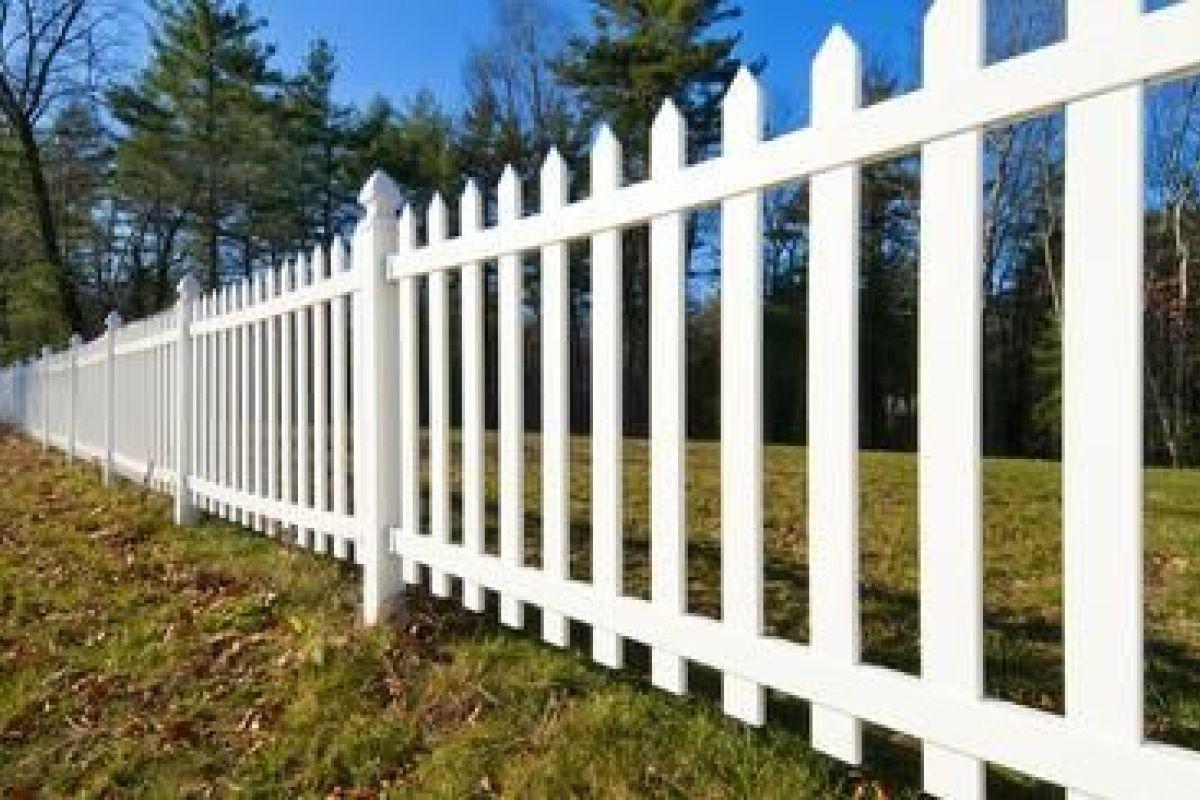 Claustra A Faire Soi Meme l'entretien d'une clôture : nettoyage, vernis, traitement