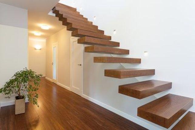 L'escalier suspendu sans rampe
