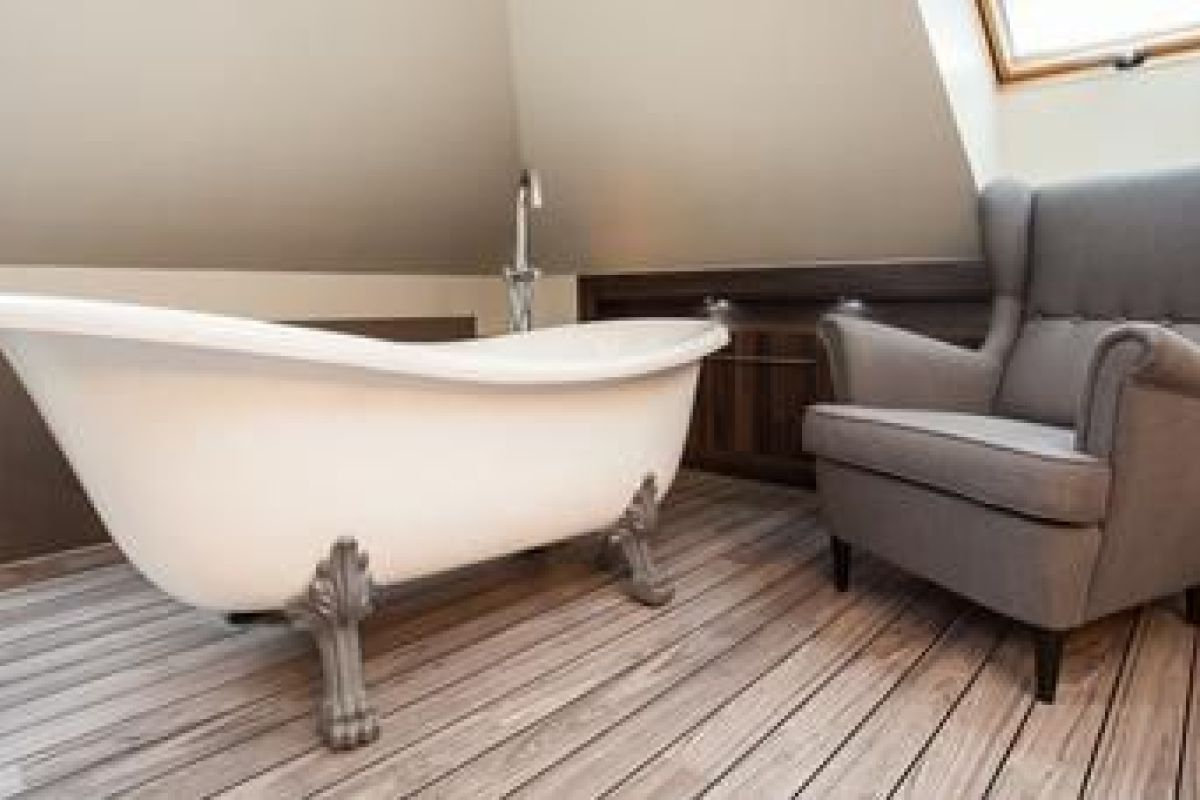 La Baignoire Sur Pieds Moderne Et Retro A La Fois Comment L Installer