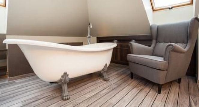 La baignoire sur pieds : moderne et retro à la fois, comment l ...